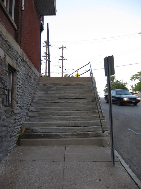 Sycamore St Steps, 244B